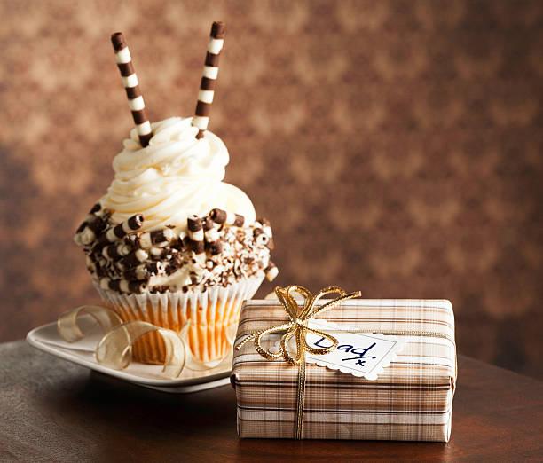 グルメなカップケーキ、ギフト、父親:スマホ壁紙(壁紙.com)