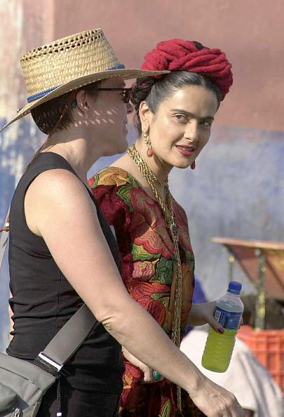 "Movie「Salma Hayek On The Set Of the Film ""Frida Kahlo""」:写真・画像(12)[壁紙.com]"