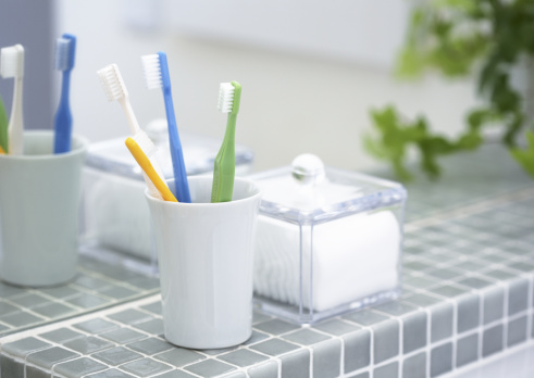 カップ「Toothbrush and cotton puff」:スマホ壁紙(17)