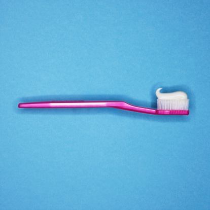 Side View「Toothbrush with toothpaste」:スマホ壁紙(0)