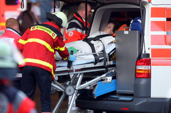 Techno Music「At Least 15 Die After Stampede At Love Parade」:写真・画像(13)[壁紙.com]