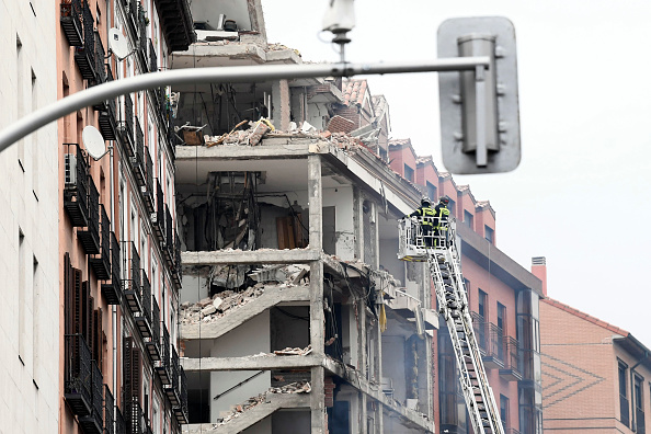 Madrid「At Least Two Dead After Explosion Damages A Building In The Centre Of Madrid」:写真・画像(5)[壁紙.com]