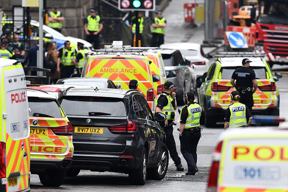 Glasgow - Scotland「Police Officers Shoot Knifeman Dead In Central Glasgow Hotel」:写真・画像(15)[壁紙.com]