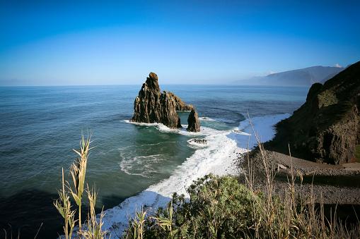 Porto Moniz「Portugal, Madeira, rock near Porto Moniz」:スマホ壁紙(2)
