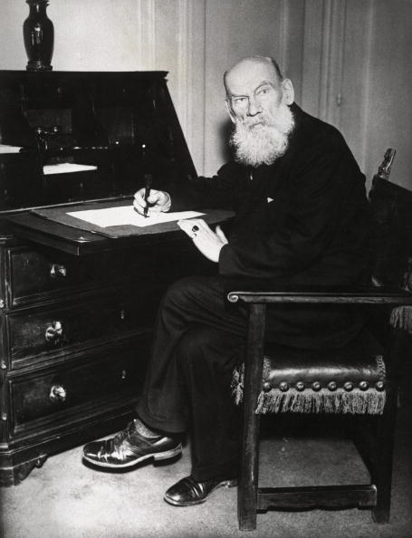Writing「Ilja Duke Tolstoi」:写真・画像(12)[壁紙.com]
