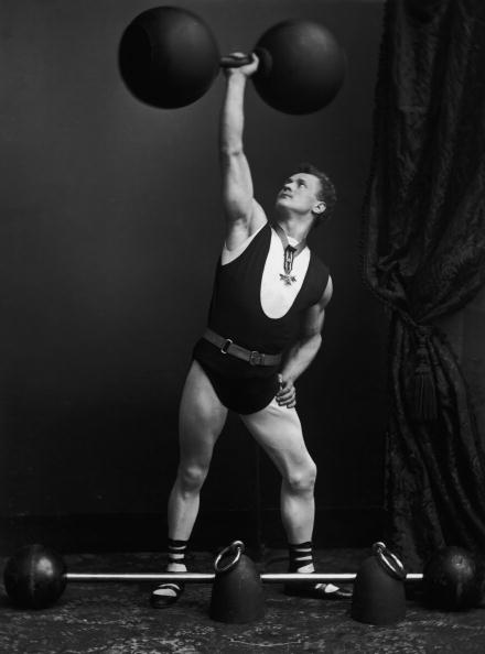 Strength「Eugene Sandow」:写真・画像(8)[壁紙.com]