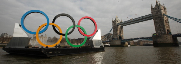 Geometric Shape「Giant Olympic Rings Are Launched On The River Thames」:写真・画像(19)[壁紙.com]