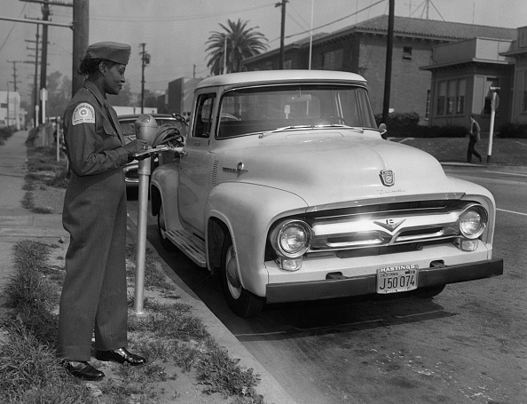 1958「Parking Meter With Los Angeles Parking Control Officer 1958. Creator: Unknown.」:写真・画像(17)[壁紙.com]