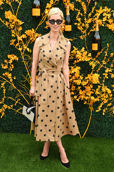 Beige Dress「12th Annual Veuve Clicquot Polo Classic - Arrivals」:写真・画像(8)[壁紙.com]