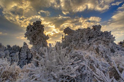 雪景色「Heng Mountain snow in Hengyang,Hunan province,China」:スマホ壁紙(18)