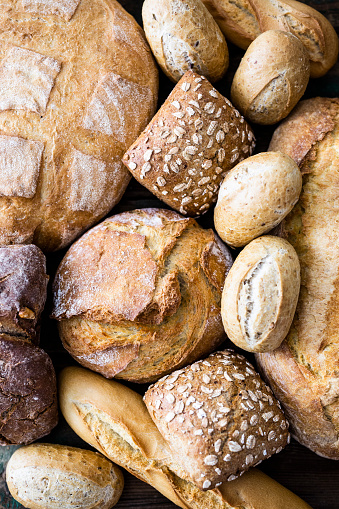 Bread「Various sorts of bread, close-up」:スマホ壁紙(11)