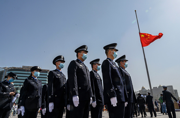 Mourning「China Marks National Day of Mourning for COVID-19」:写真・画像(4)[壁紙.com]