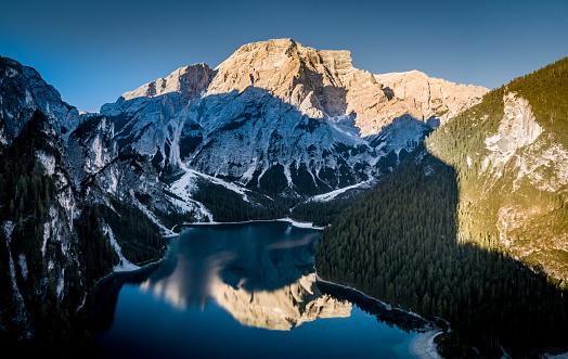 Sunlight「サンライズ、Dolomies、イタリアの湖 Braies」:スマホ壁紙(16)