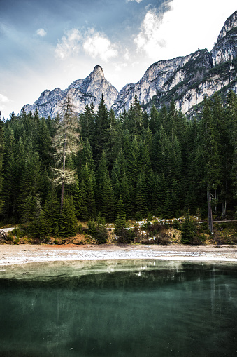 Alto Adige - Italy「Lake Braies in Italy - scenic view in early morning」:スマホ壁紙(9)