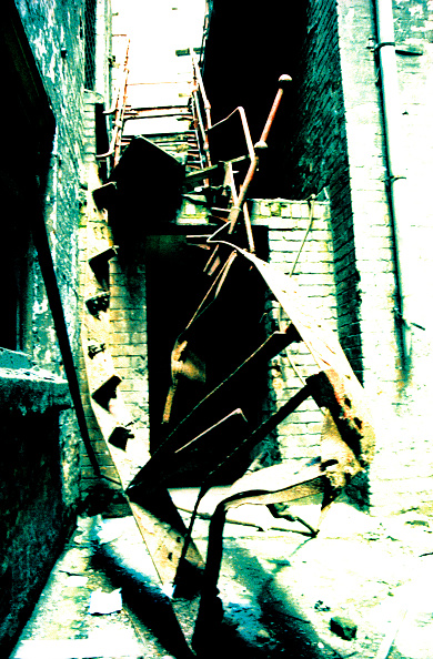 Dirty「Run-down warehouse, Manchester, England」:写真・画像(17)[壁紙.com]