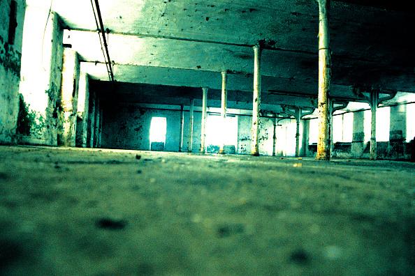 Sparse「Run-down warehouse, Manchester, England」:写真・画像(3)[壁紙.com]