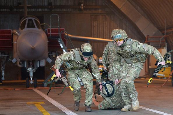 Chemical「617 Squadron Prepare For Final Afghanistan Deployment」:写真・画像(4)[壁紙.com]