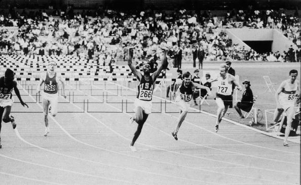 オリンピック「Davenport Wins The 110 Meter Hurdle」:写真・画像(6)[壁紙.com]