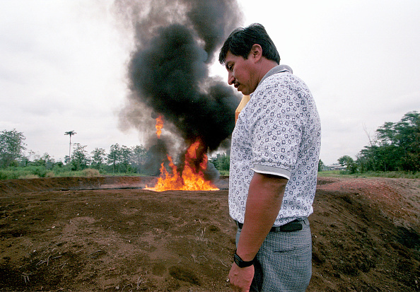 Fire Pit「Oil pollution In Ecuadoe」:写真・画像(9)[壁紙.com]