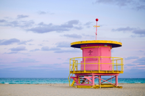 Lifeguard「10th Street lifeguard hut in Miami Beach, FL」:スマホ壁紙(7)