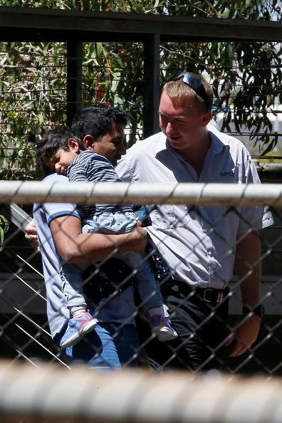 Darrian Traynor「Tamil Asylum Seeker Family Deportation Delayed Following Last-Minute Injunction」:写真・画像(17)[壁紙.com]