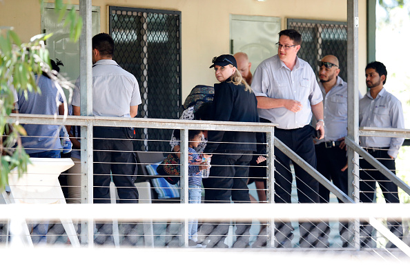 Darrian Traynor「Tamil Asylum Seeker Family Deportation Delayed Following Last-Minute Injunction」:写真・画像(14)[壁紙.com]