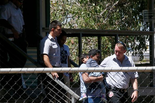 Darrian Traynor「Tamil Asylum Seeker Family Deportation Delayed Following Last-Minute Injunction」:写真・画像(13)[壁紙.com]
