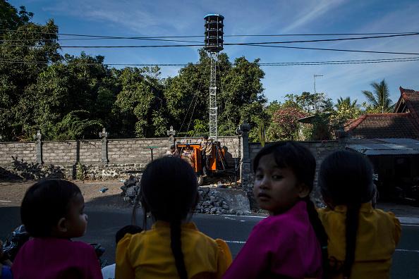Regency Style「Indonesians Prepare For Volcanic Eruption In Bali」:写真・画像(4)[壁紙.com]