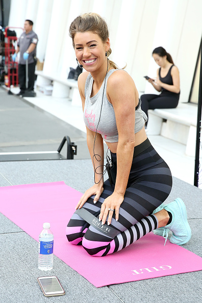 Monica Schipper「Gilt Celebrates Launch Of Anna Victoria X K-DEER Active Collection With Exclusive Workout At Oculus Plaza」:写真・画像(15)[壁紙.com]