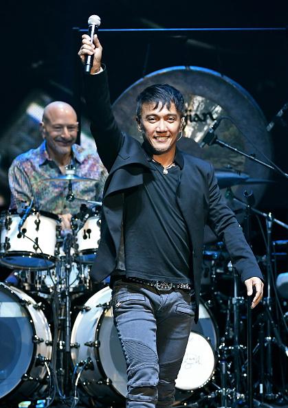 Steve Smith - Musician「Journey Begins Second Residency At The Hard Rock In Las Vegas」:写真・画像(13)[壁紙.com]