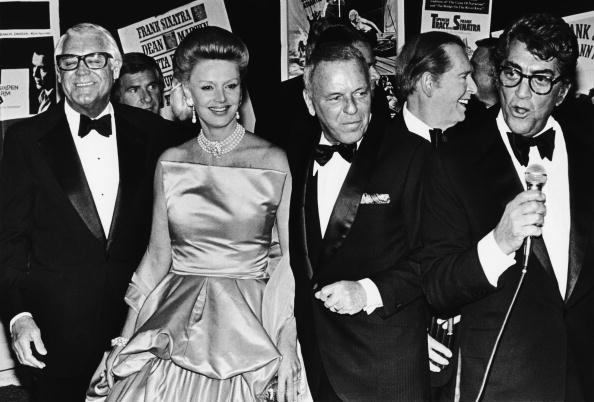 Tuxedo「Stars Salute Frank Sinatra at Las Vegas Party」:写真・画像(17)[壁紙.com]