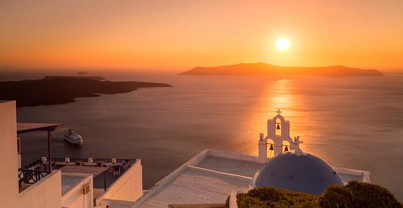 Aegean Sea「Summer sunset in Santorini island in Greece」:スマホ壁紙(18)