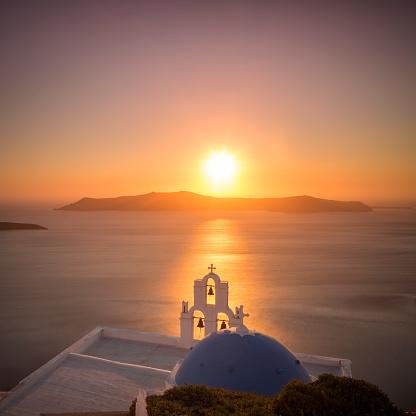 Aegean Sea「Summer sunset in Santorini island in Greece」:スマホ壁紙(0)
