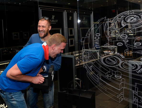 Boxer Sergey Kovalev「Hublot Brand Ambassador Sergey Kovalev Visits The Hublot Las Vegas Boutique」:写真・画像(11)[壁紙.com]
