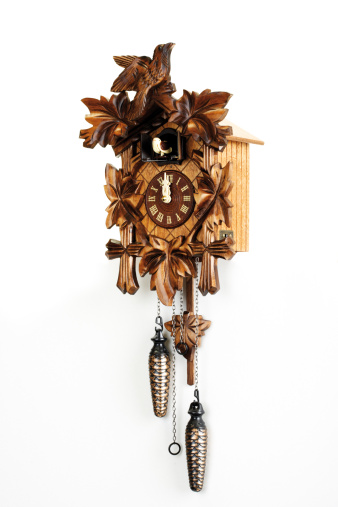 Roman Numeral「Cuckoo clock, close-up」:スマホ壁紙(16)