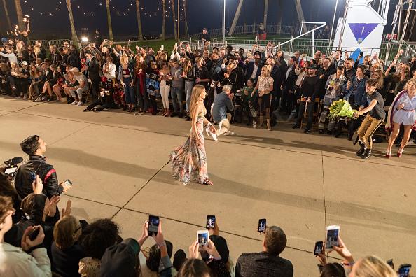Catwalk - Stage「TommyLand Tommy Hilfiger Spring 2017 Fashion Show - Front Row & Atmosphere」:写真・画像(16)[壁紙.com]