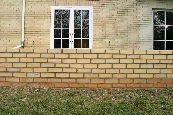 Brick Wall「Step by step construction of a conservatory」:写真・画像(12)[壁紙.com]