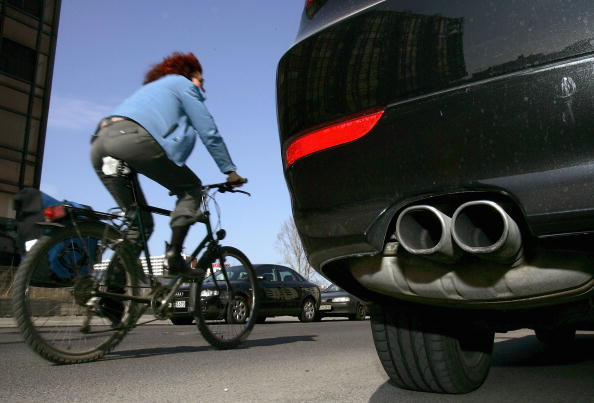 Cycling「German Cities to Exceed Limits in Particle Dust Emissions」:写真・画像(3)[壁紙.com]