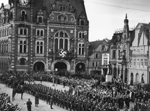 Architectural Feature「Nazis In Rumberg」:写真・画像(15)[壁紙.com]