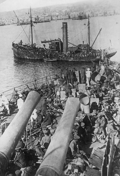 Disembarking「Salonica Harbour」:写真・画像(15)[壁紙.com]