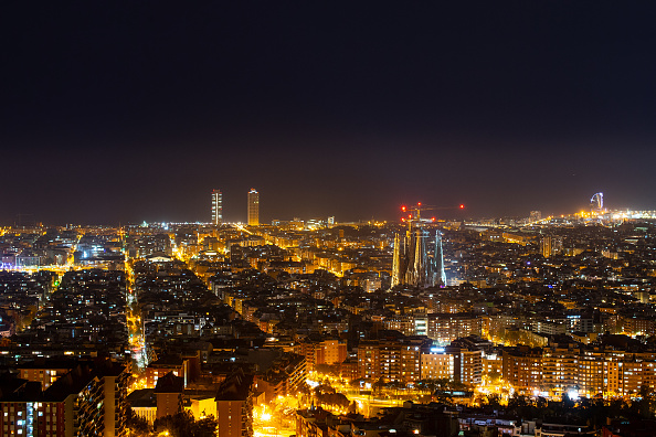 Sagrada Familia - Barcelona「Dusk Over Barcelona Amidst The Coronavirus Pandemic」:写真・画像(4)[壁紙.com]
