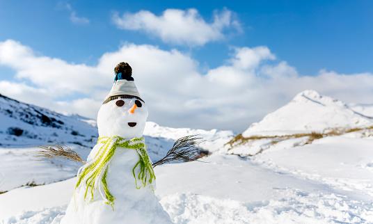 Snowman「Spain, Asturias, portrait of a snowman」:スマホ壁紙(9)