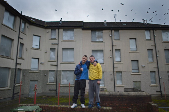 Congregation「Daily Life In Glasgow After The SNP Announced Their Social Fund During Their Annual Conference」:写真・画像(19)[壁紙.com]