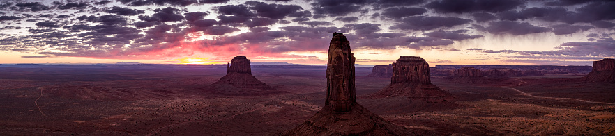 Indigenous Culture「The Mittens and Merrick Butte, Monument Valley - Aerial Panorama」:スマホ壁紙(14)