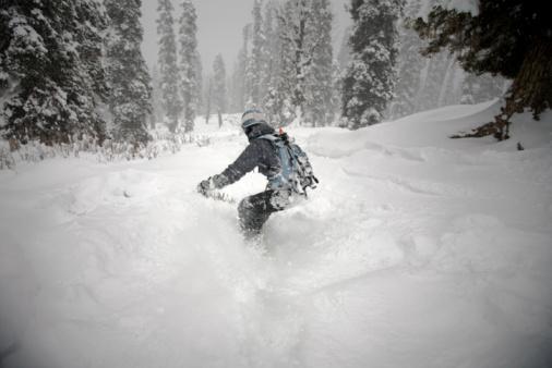スノーボード「人スノーボードのヒマラヤの雪」:スマホ壁紙(3)