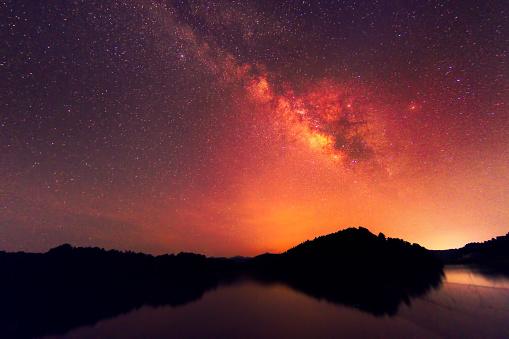 Landscape「夜の空、南の中国での反射と天の川」:スマホ壁紙(14)