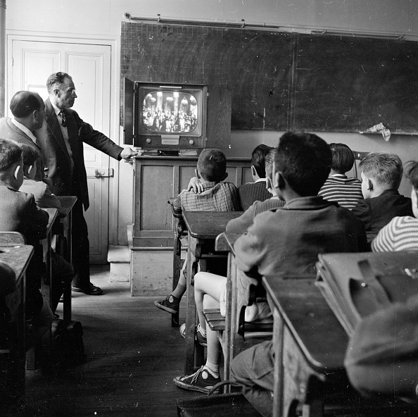 Teaching「TV Lesson」:写真・画像(18)[壁紙.com]