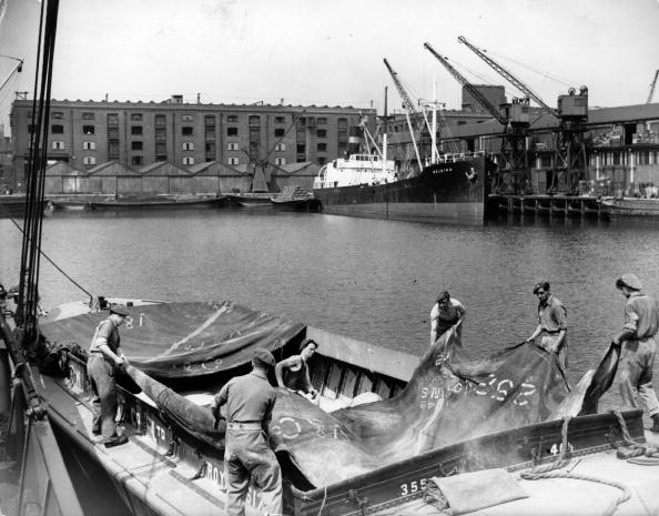 Employment And Labor「Dock Land」:写真・画像(8)[壁紙.com]