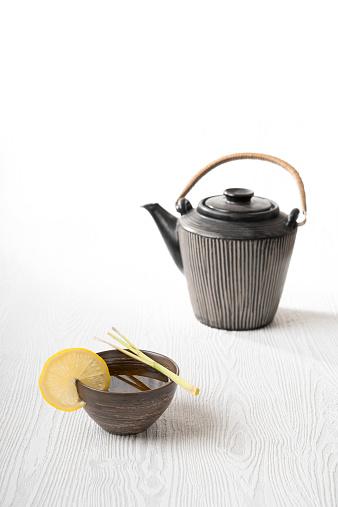 Teapot「Green Sencha tea in a tea bowl with lemongrass, a teapot」:スマホ壁紙(14)
