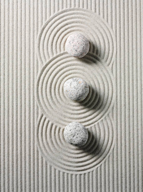 Three Zen Stones and Circles:スマホ壁紙(壁紙.com)